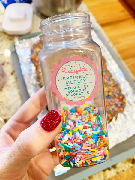 Sprinkles for my Brownies With Chocolate Cream Cheese Frosting